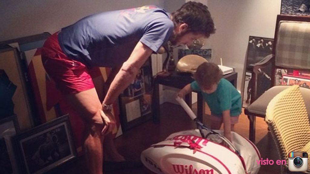 La buena relación con Feli, el novio de su madre y... ¡su profesor de tenis!