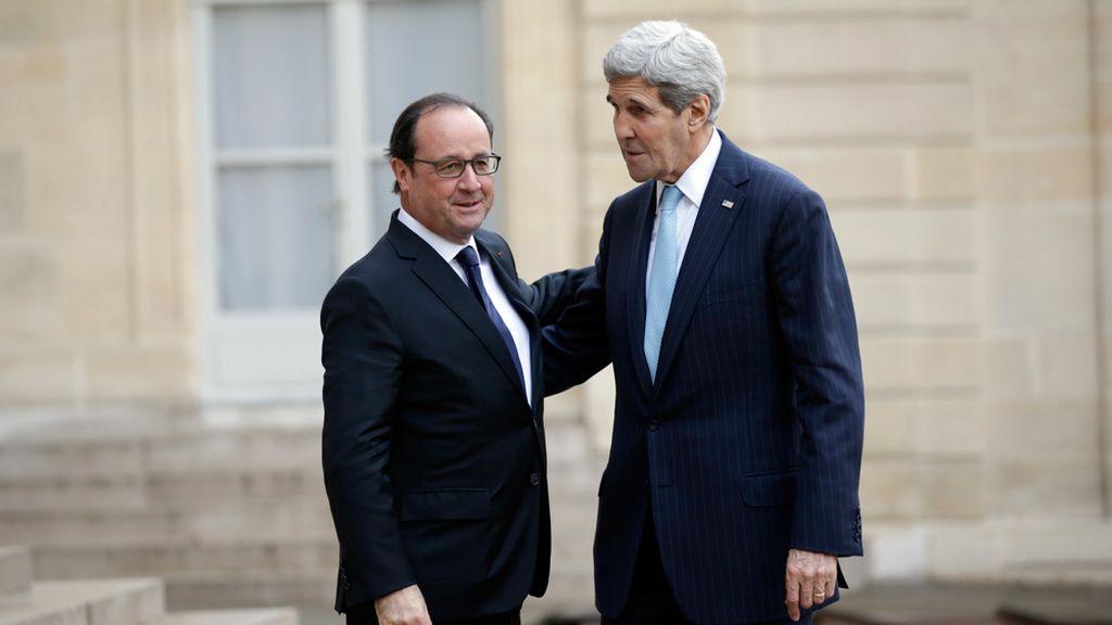 John Kerry se reúne con Hollande en París