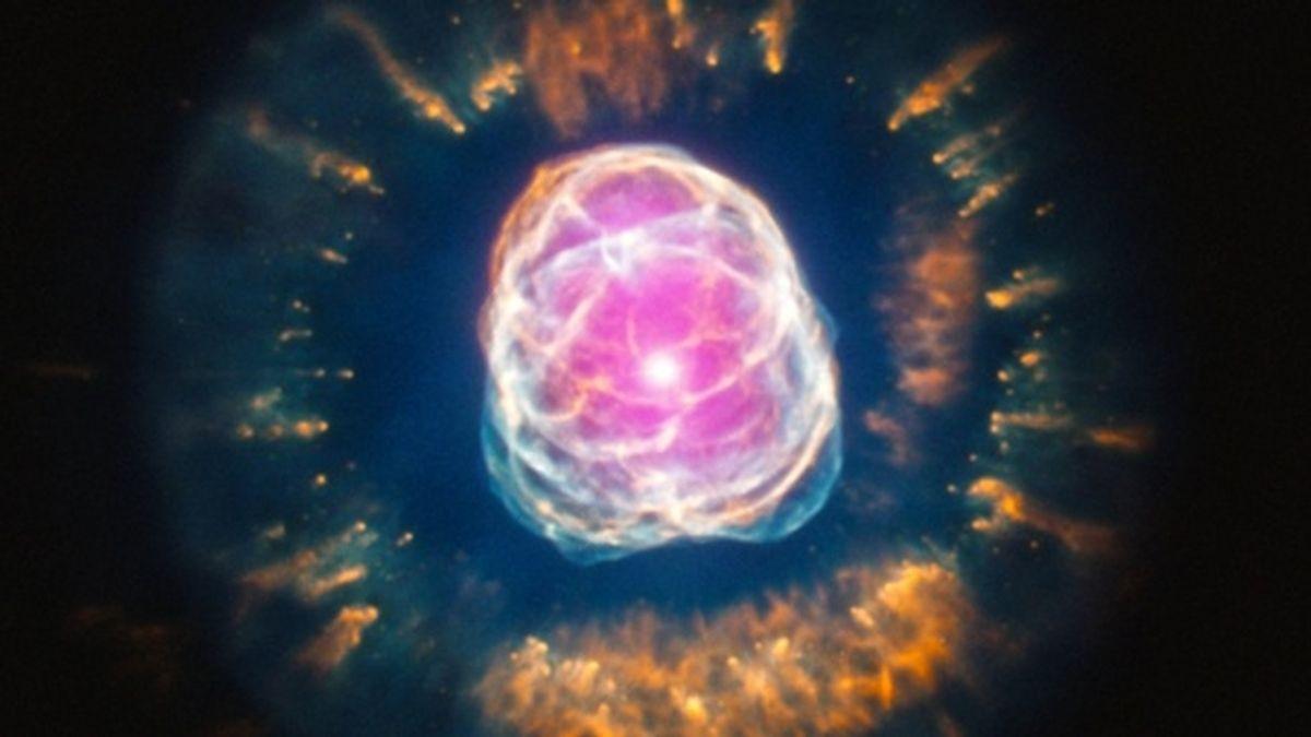 """La NASA capta en imágenes como """"muere"""" una estrella"""