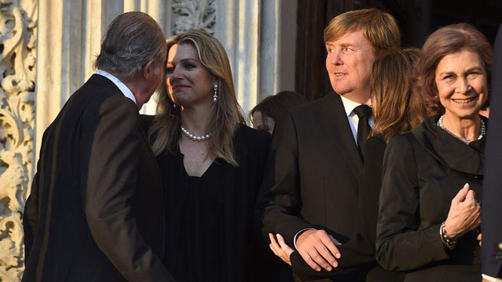 Don Juan Carlos quiso estar al lado de la familia de Holanda