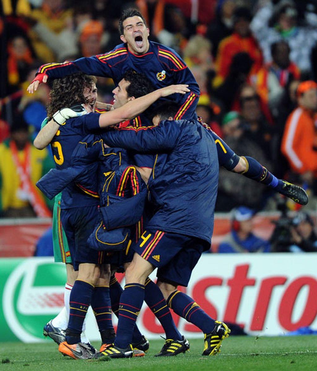 Besos y abrazos para celebrar el triunfo