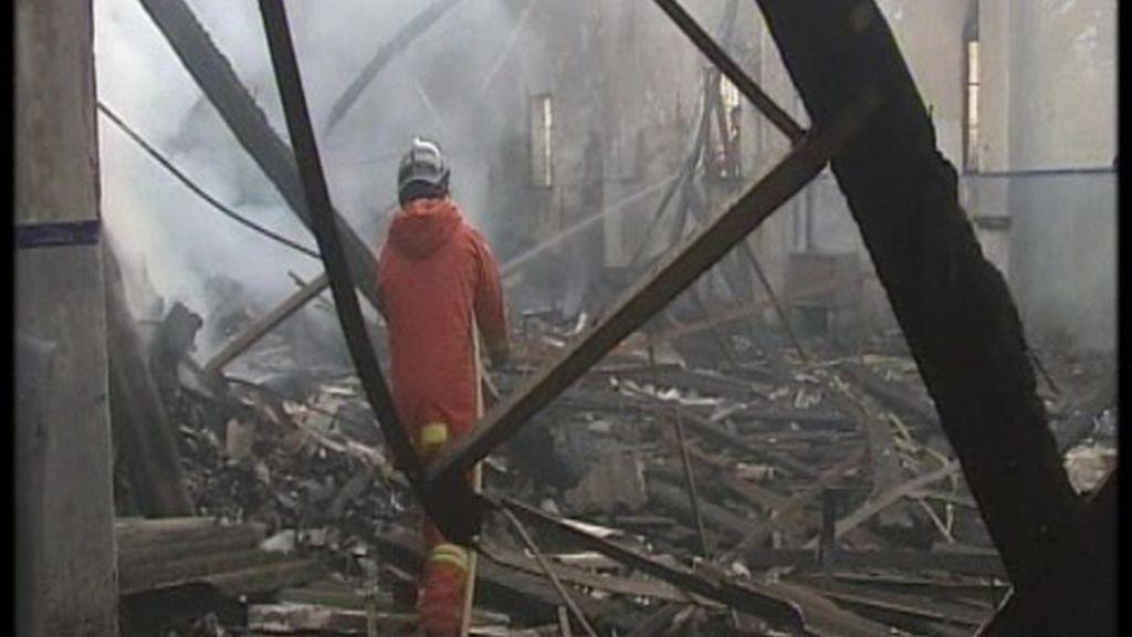 Incendio en un cuartel abandonado en Valencia