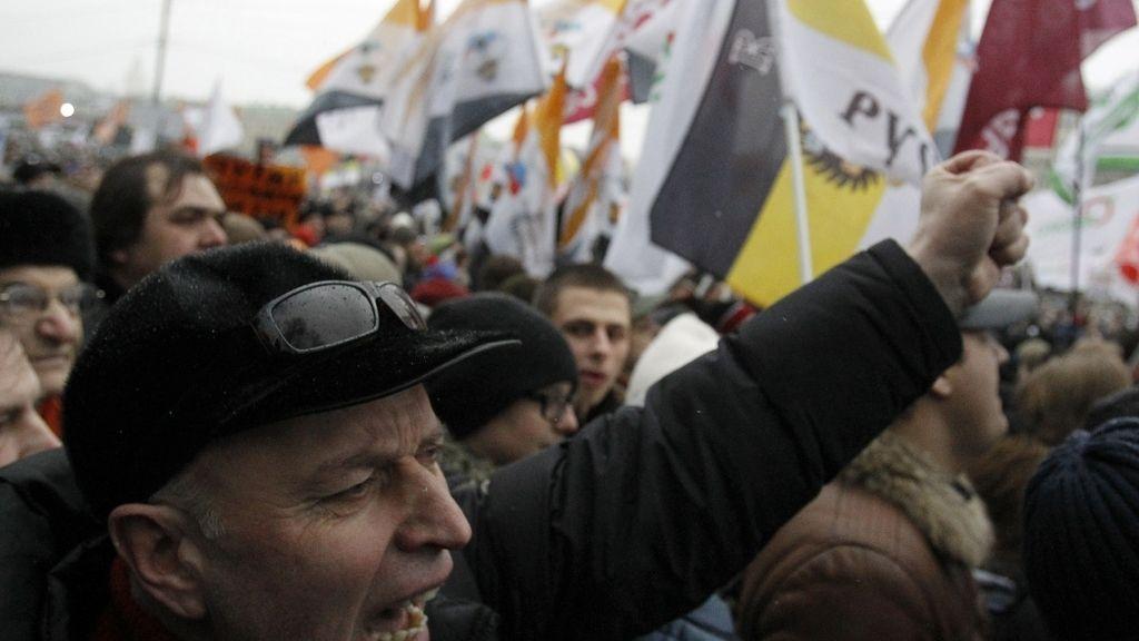 La oposición sale a la calle contra Pitun