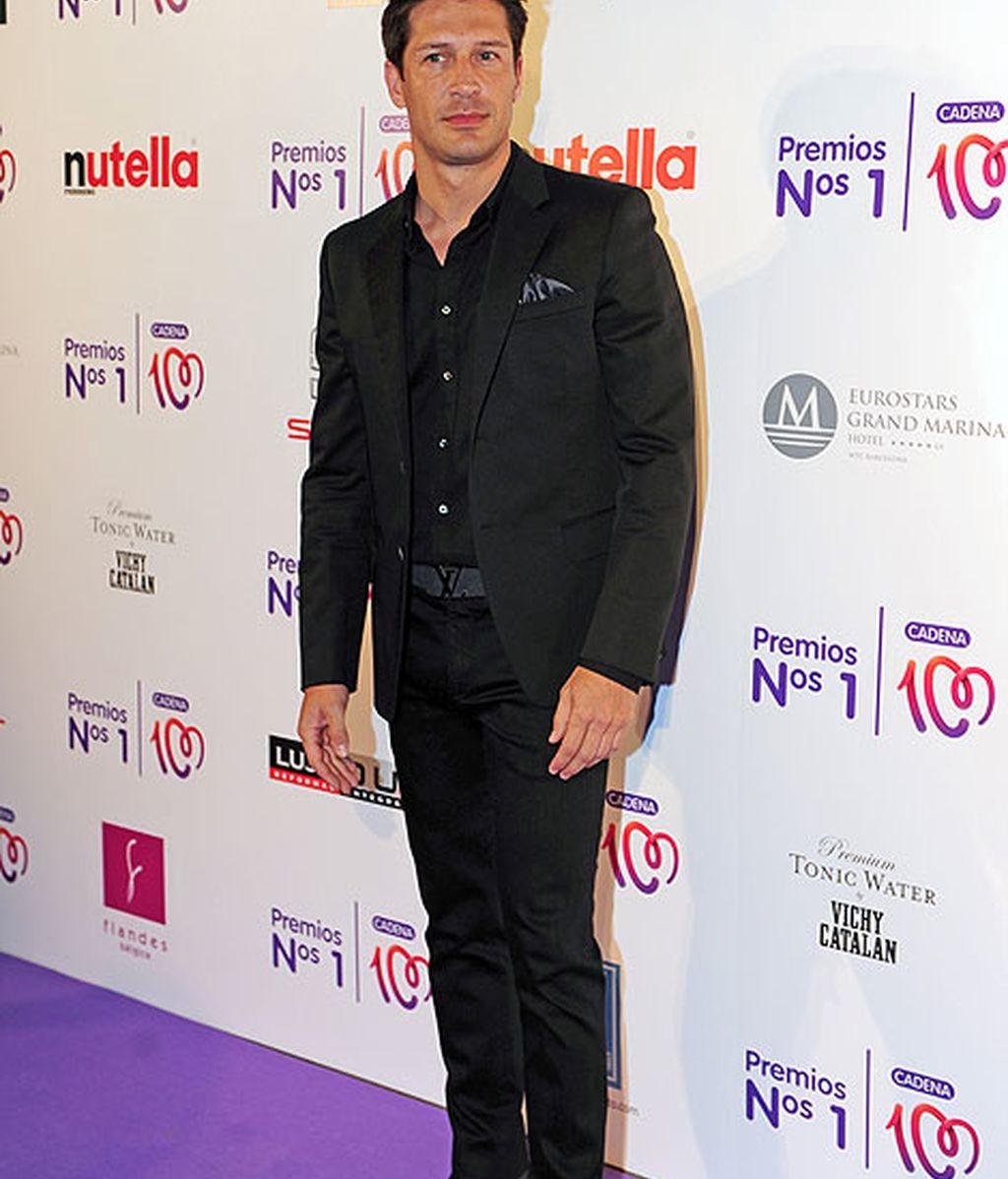 El presentador Jaime Cantizano también eligió un look 'total black'