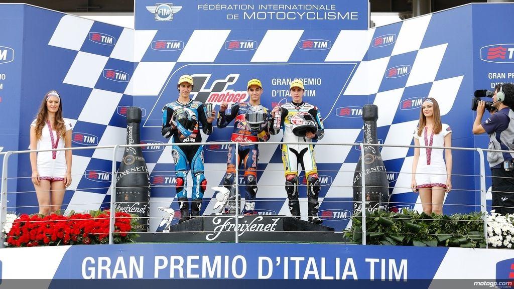 Triplete español en el podio de Moto3 (Salom, Rins y Viñales)