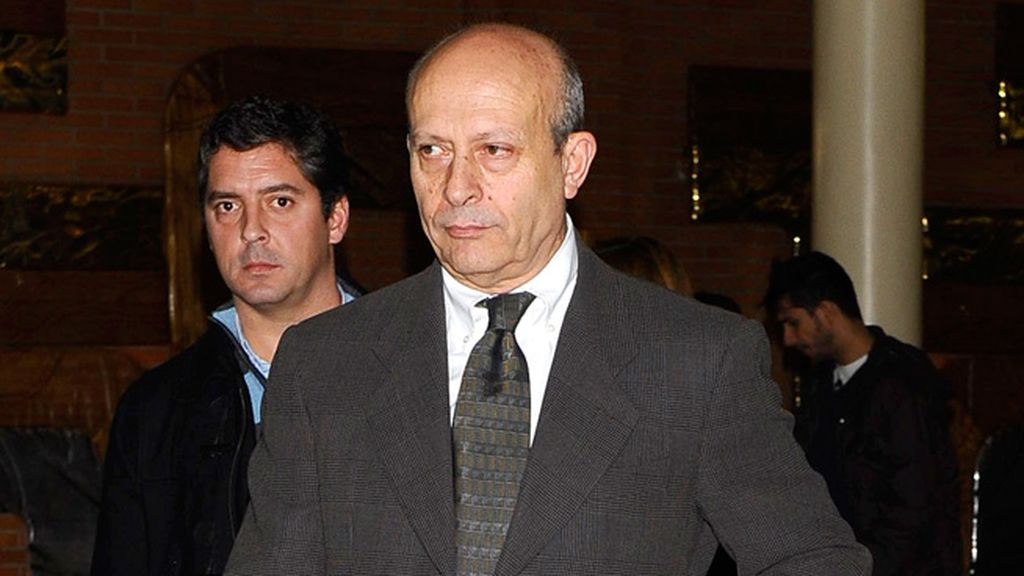 El Ministro de Educación y Cultura, Jose Ignacio Wert, también acudió al tanatorio