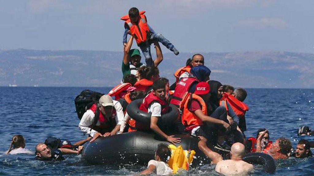 Al menos 34 muertos en el último naufragio de inmigrantes en el Egeo