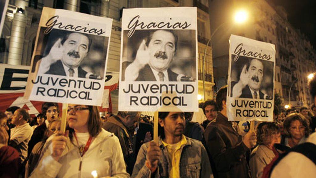 Argentina sale a la calle por la muerte de  Raúl Alfonsín