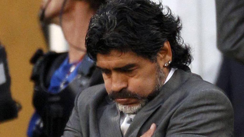 Maradona dice que deja la selección argentina