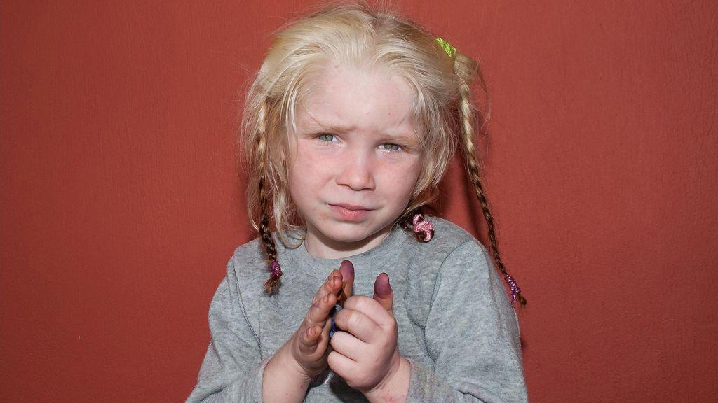 Grecia pide ayuda  a la Interpol para encontrar a los padres de una niña de cuatro años