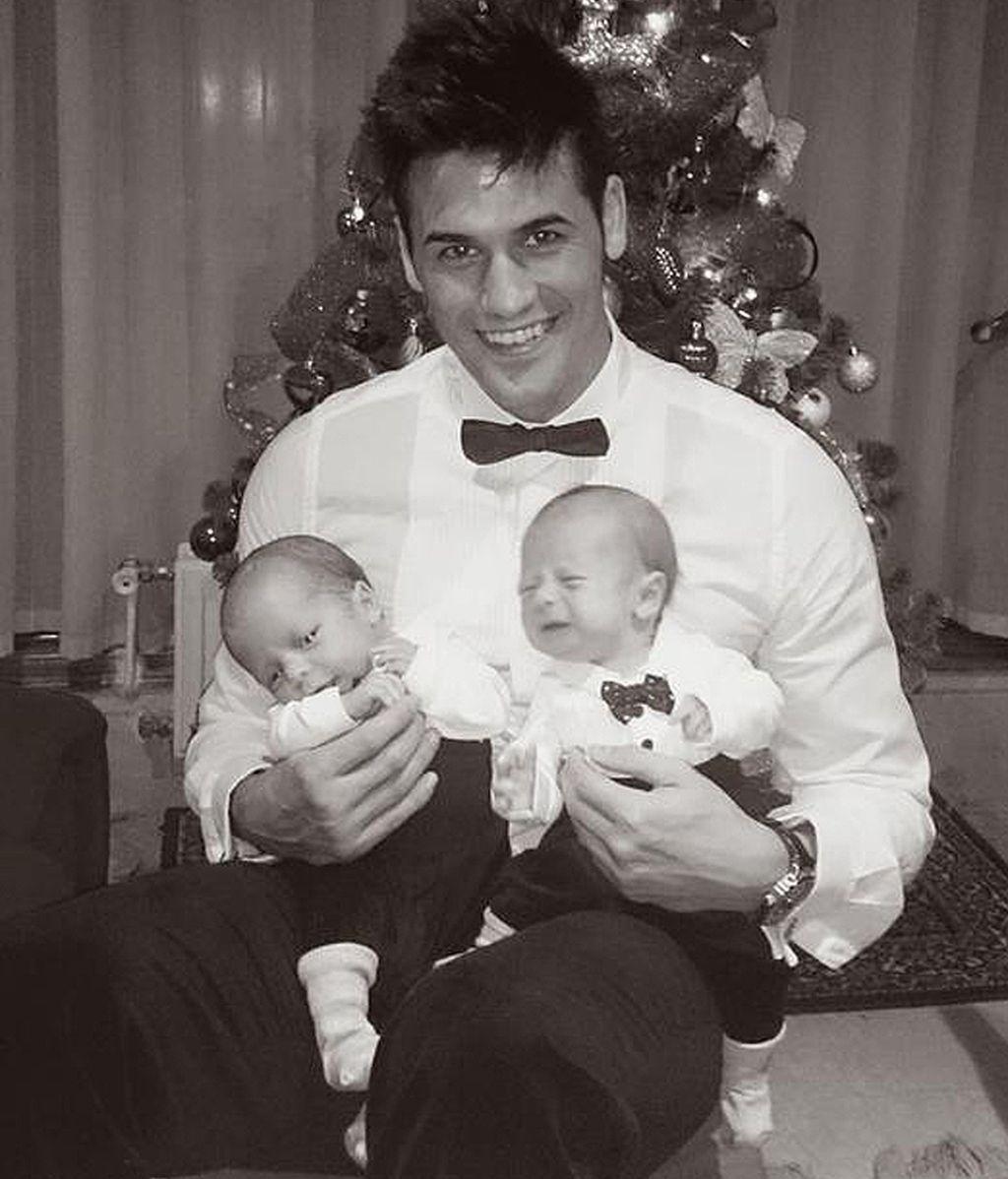 Oliver padre de gemelos