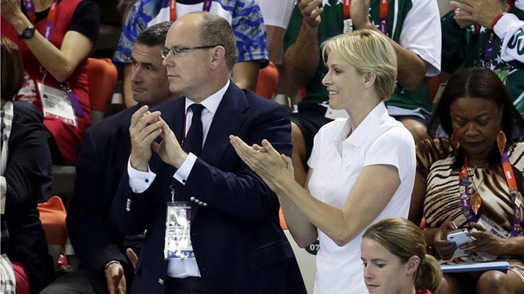 Alberto y Charlene de Mónaco celebraron el oro de Van der Burgh