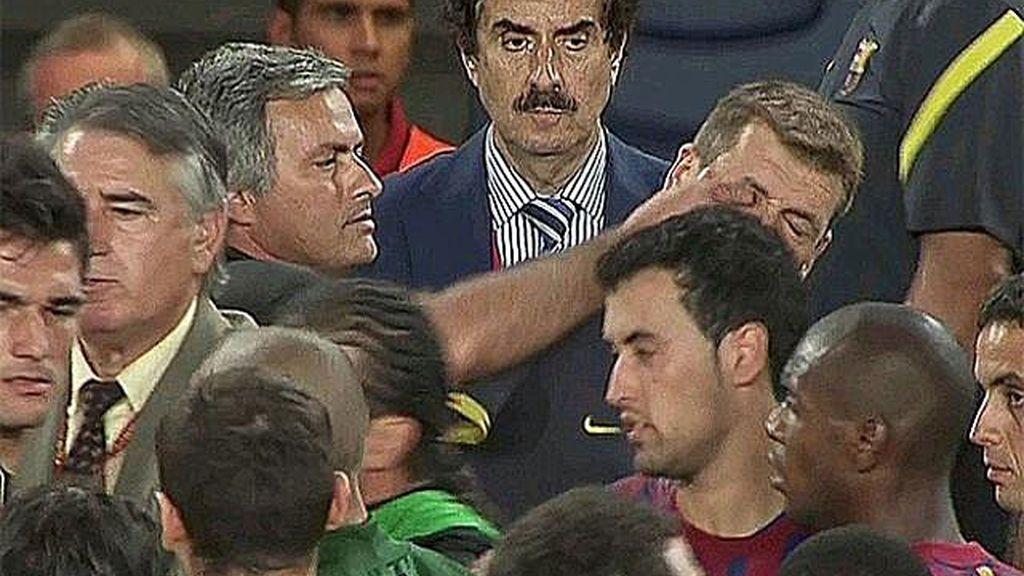 El dedo en el ojo de Mourinho a Tito Vilanova