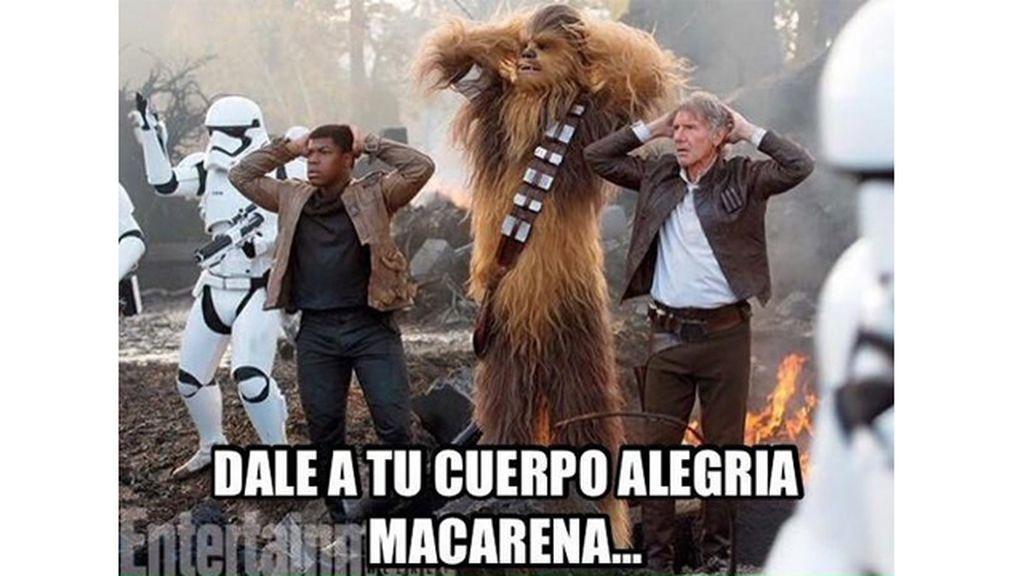 """Han, Chewbacca y Finn """"partiendo tarima"""" en el tráiler"""