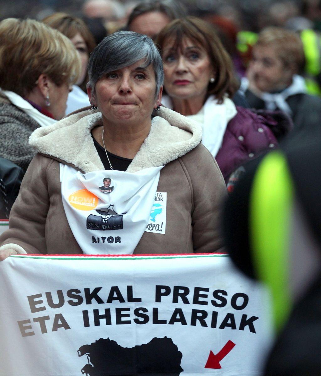 Miles de personas se manifiestan en Bilbao para pedir el fin de la dispersión de ETA