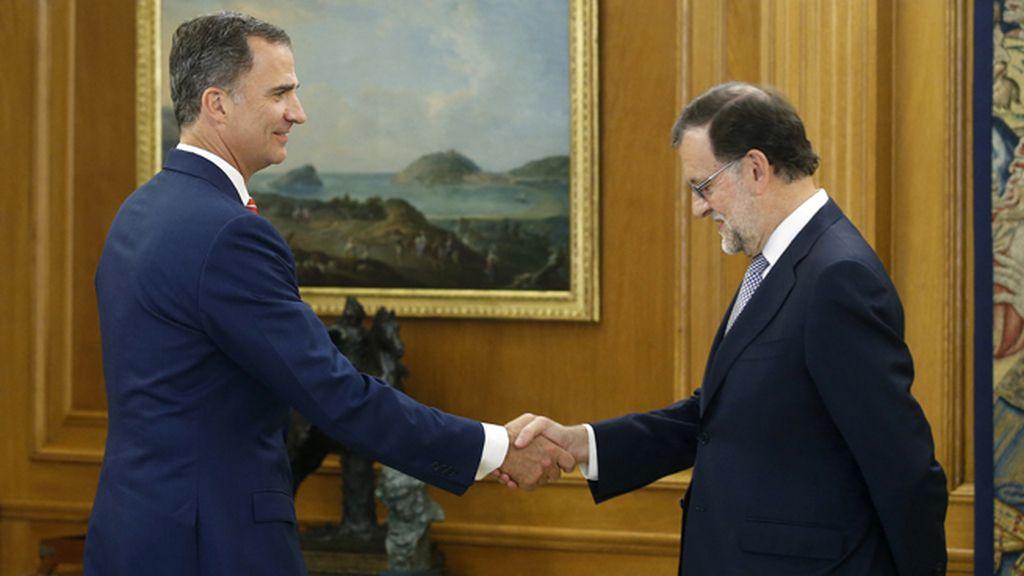 Felipe VI recibe en la Zarzuela a Mariano Rajoy