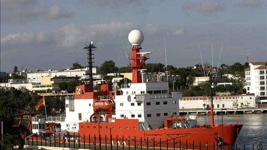 El buque oceanográfico español Hespérides llegó hoy al puerto de Santo Domingo con un grupo de científicos que estudiará la morfología de los fondos marinos dominicanos y delimitará cuencas sedimentarias con posibilidad de contenido en hidrocarburos. EFE