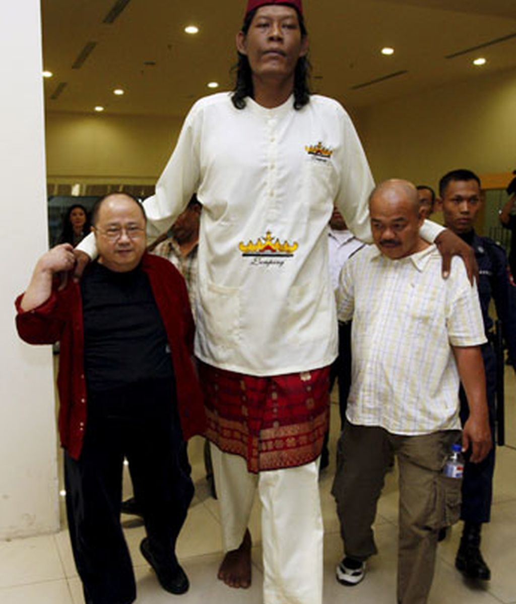 El hombre más alto de Indonesia