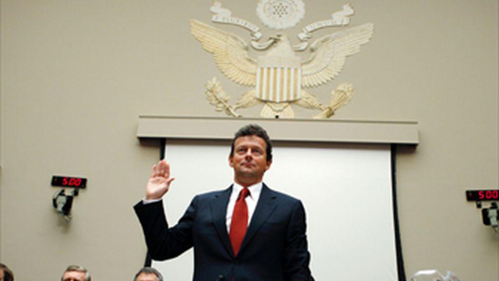 El director ejecutivo de BP pide perdón por el vertido en su primera comparecencia en el Congreso estadounidense