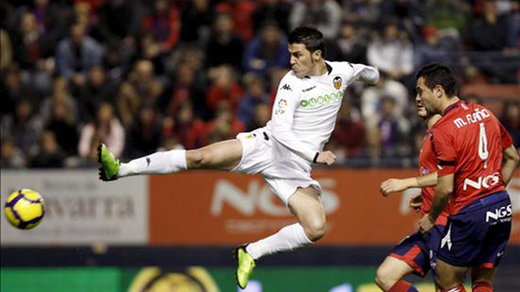 1-3. El Valencia sigue intratable a domicilio tras aprovechar los errores de Osasuna