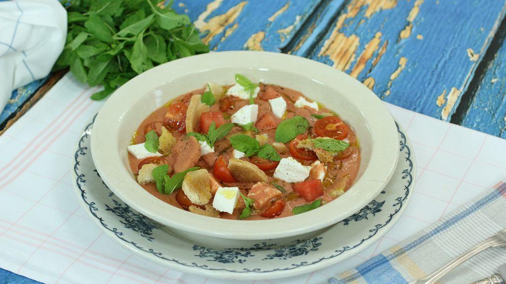 Porra de sandía, tomates y albahaca