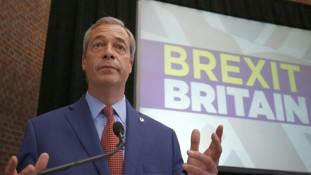 Nigel Farage anuncia su dimisión como líder del partido Eurófobo