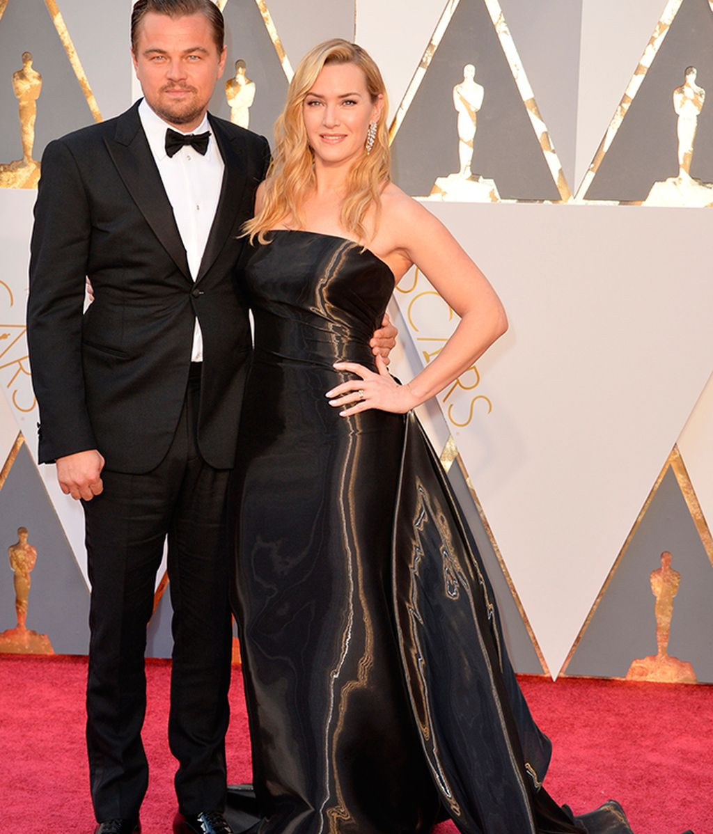 Leonardo DiCaprio, junto a Kate Winslet, por fin se llevó el Oscar