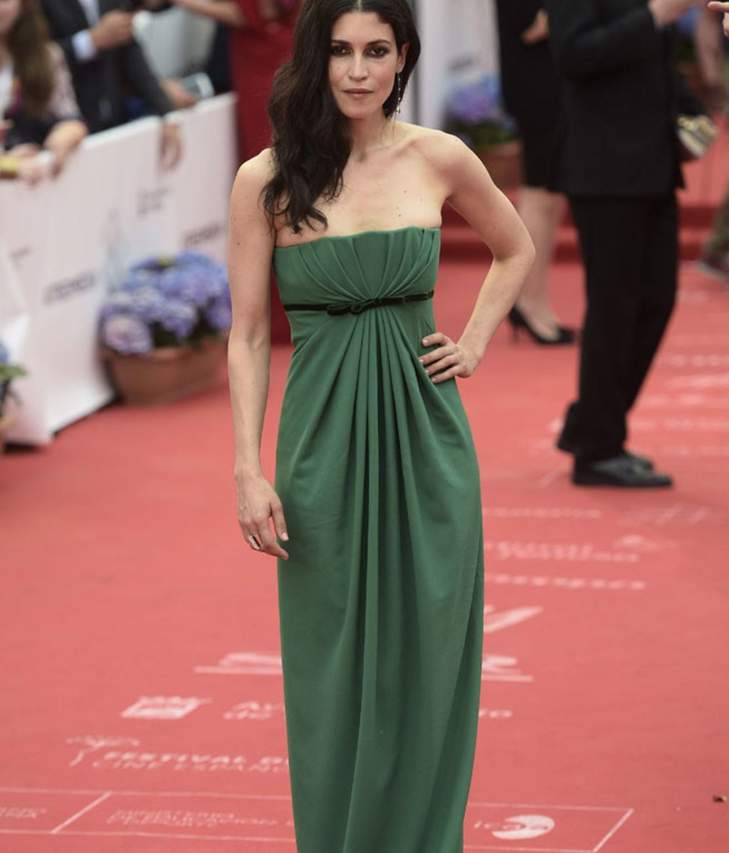 Nerea Barros, con un vestido verde con cuerpo drapeado de Dsquared2