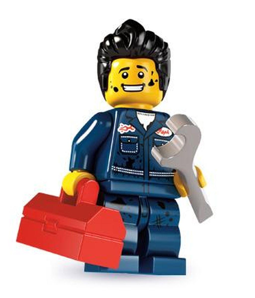 Se corta el pelo al estilo 'Lego' para impresionar a una chica
