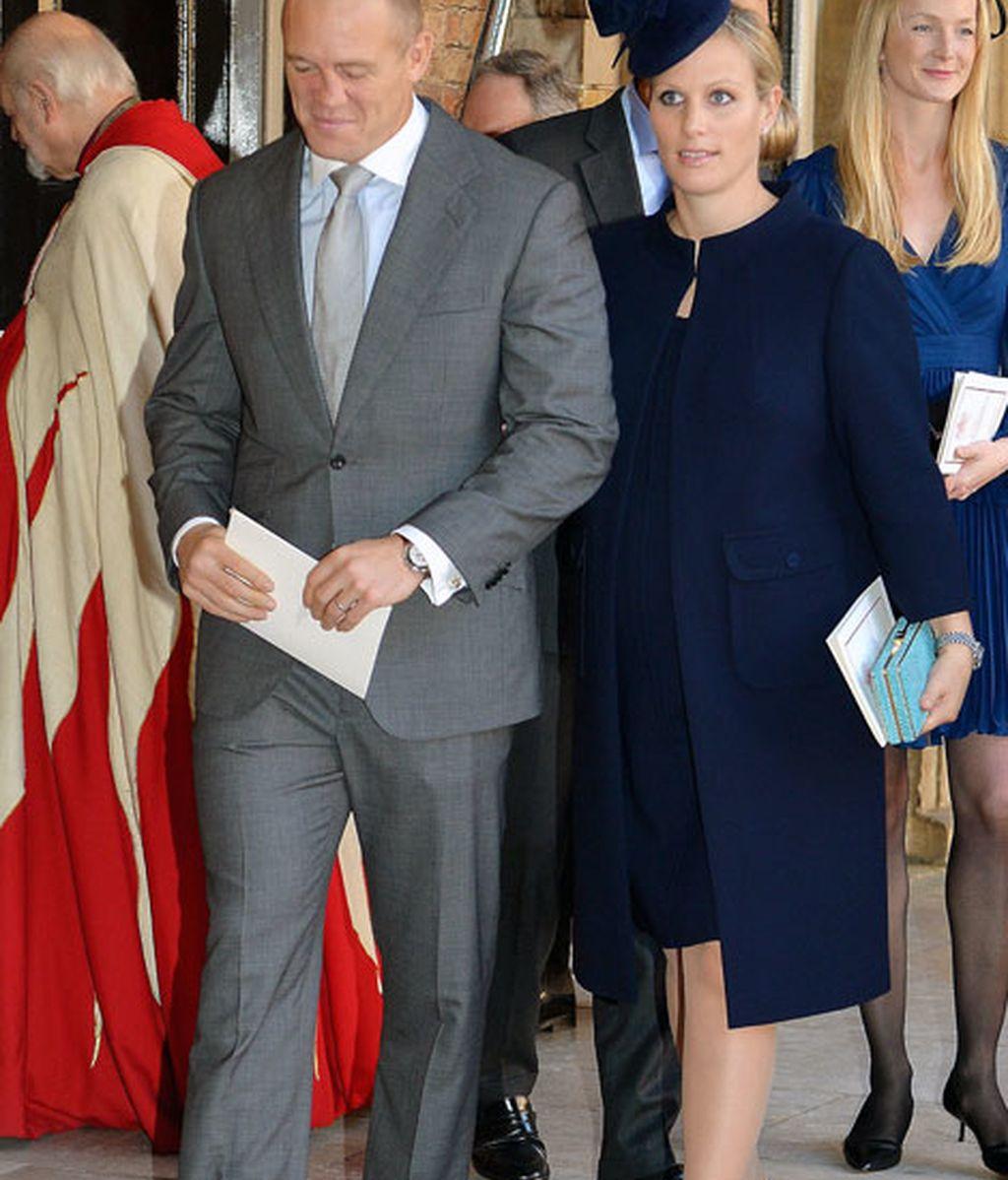 Zara Phillips, acompañada por su marido, Mike Tindall