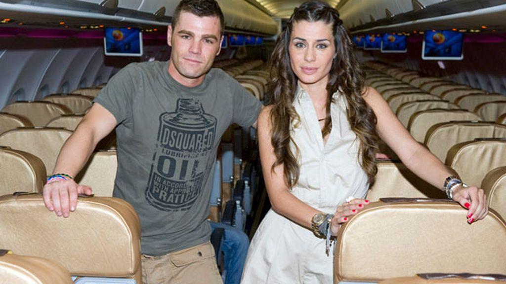 Elena Tablada y Fonsi Nieto unieron fuerzas para presentar un avión de Vueling
