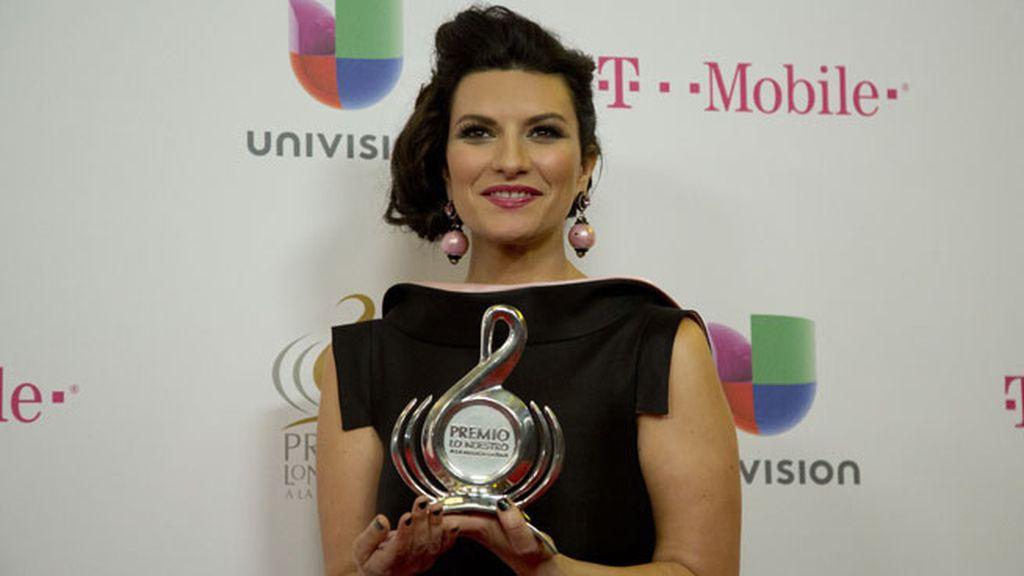Pausini agradeció mucho el premio al público latino tras 20 años de carrera