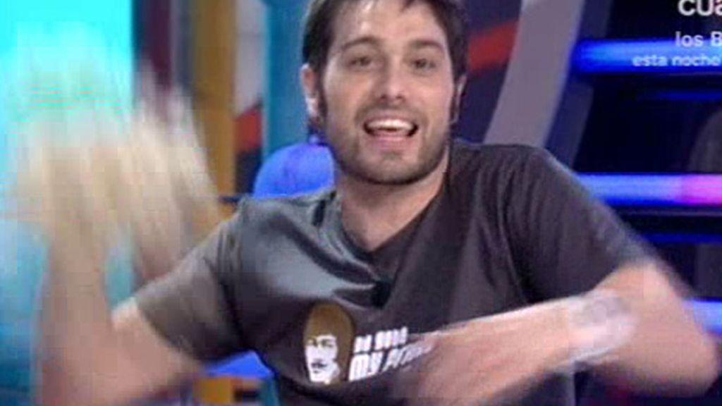 Dani tira la peluca de Bisbal