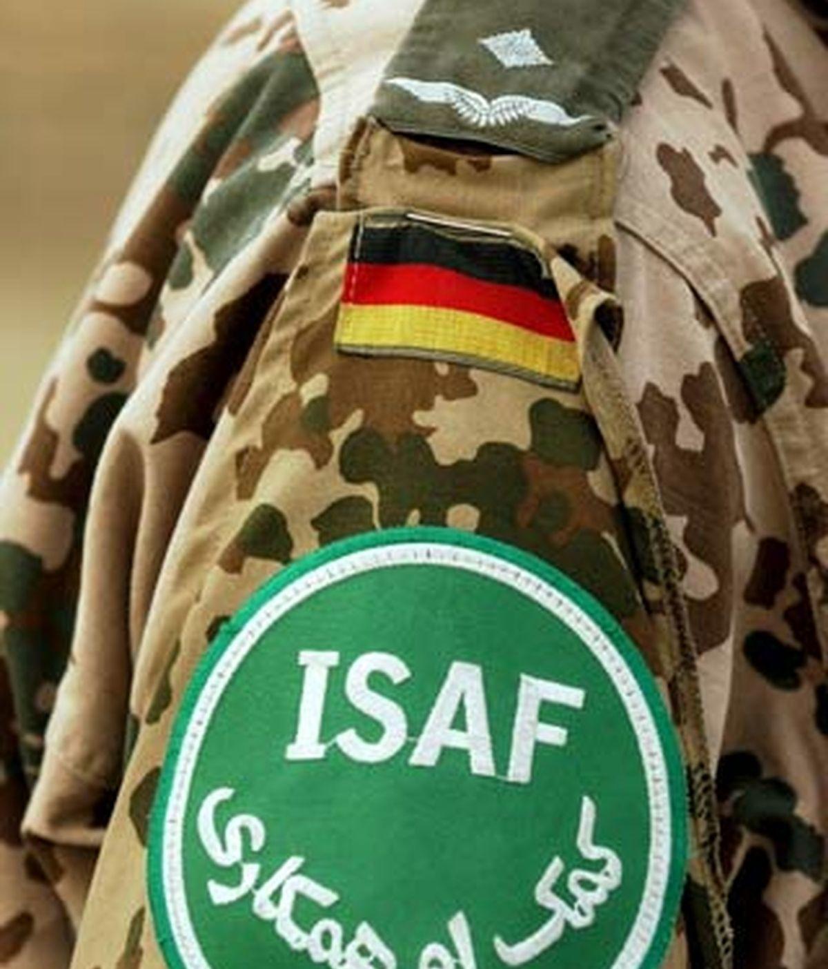 .-Fotografía de archivo del 4 de agosto de 2003 que muestra un parche militar de un soldado alemán de la misión internacional ISAF en Kabul. Foto: EFE