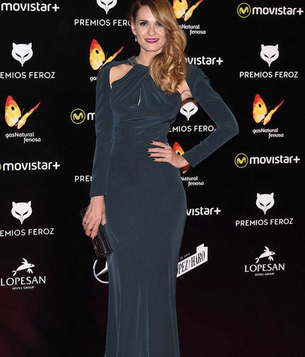 Elena Ballesteros optó por el terciopelo plomo