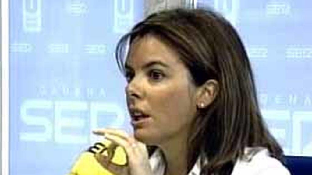 Soraya Sáenz de Santamaría en una entrevista en la Cadena Ser