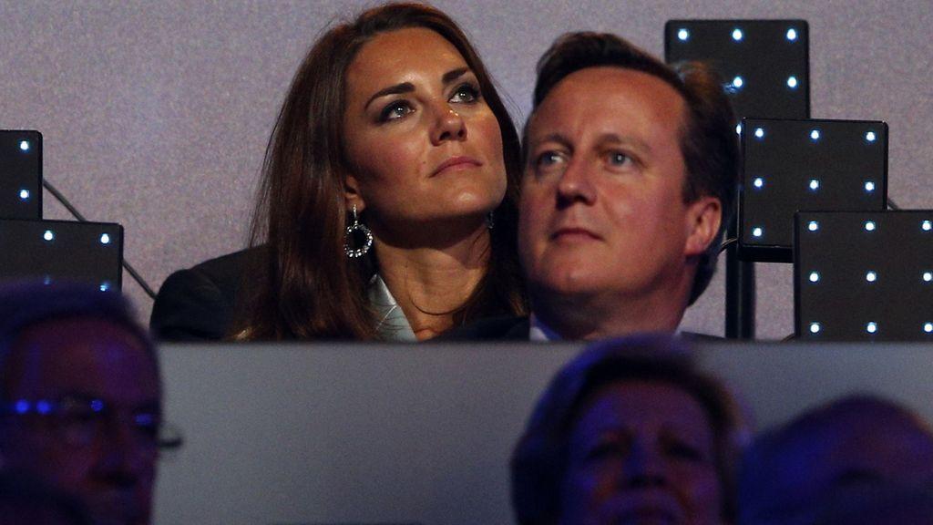 Catalina de Cambridge y el Primer Ministro británico, David Cameron