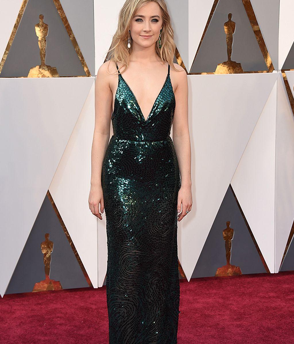 Saoirse Ronan con vestido de Calvin Klein