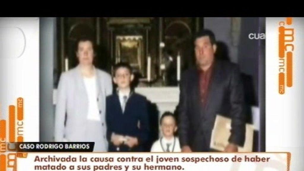 Rodrigo, el joven presunto asesino de sus padres y su hermano queda libre