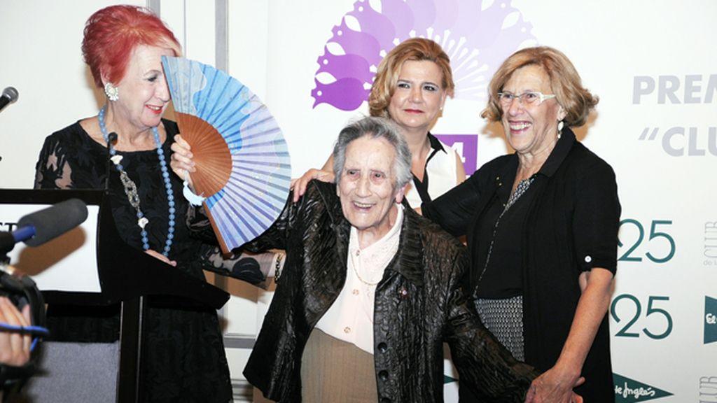 La científica Gertrudis de la Fuente, de 93 años, sorprendió con su elocuencia al recibir el premio