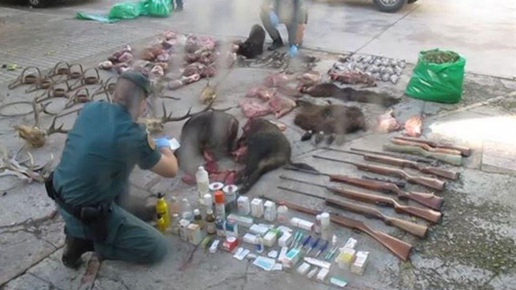 Detenidos cuatro cazadores furtivos que subieron a Facebook un vídeo con un venado agonizante