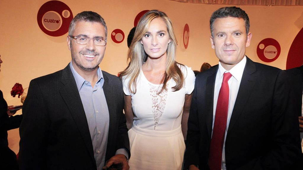 Miguel Ángel Oliver, Marta Reyero y Roberto Arce, el infalible equipo informativo de Cuatro