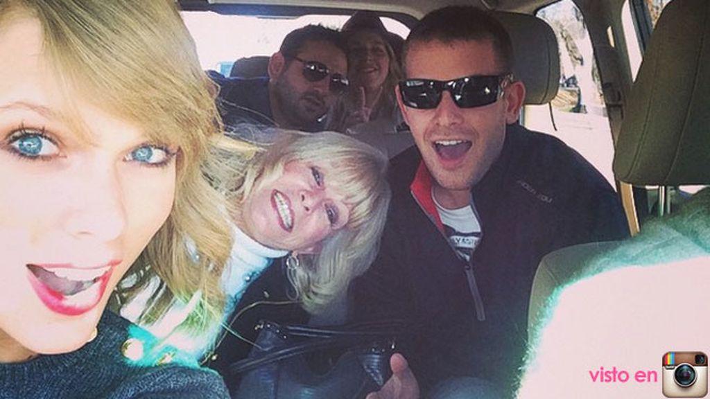 """Taylor Swift agradece tener un coche """"lleno de primos"""""""