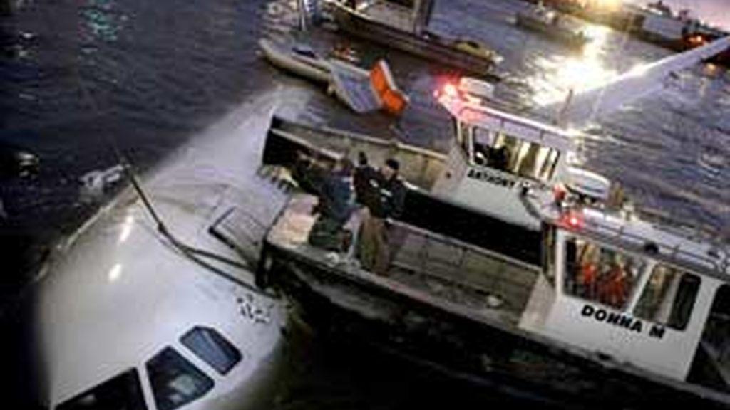 Imágenes del amerizaje del avión en el Hudson. Vídeo: ATLAS