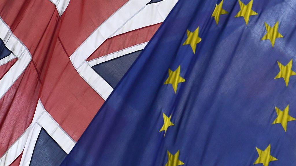 Banderas de Reino Unido y la UE