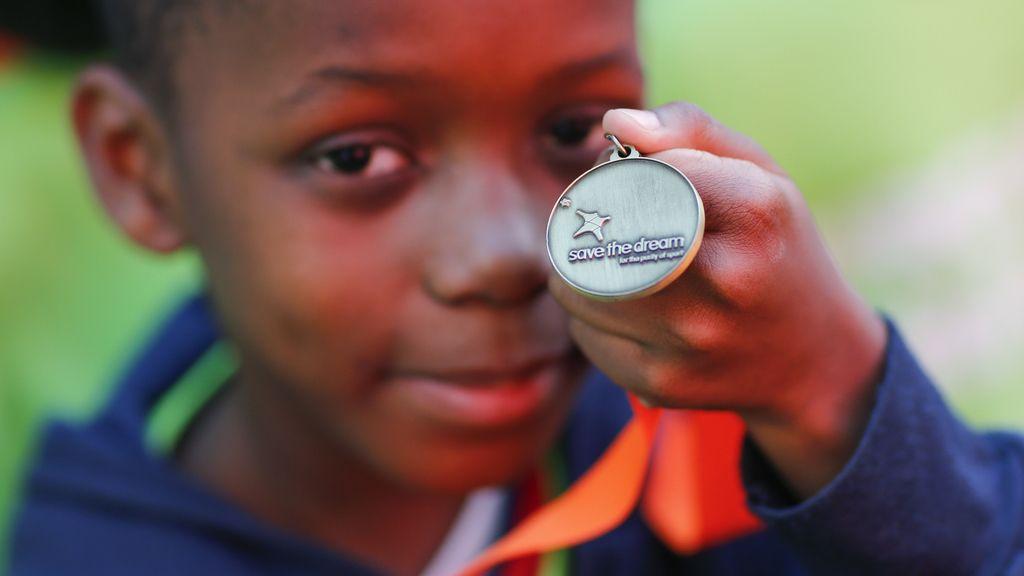 La mirada sonriente de un niño gracias a 'Save the Dream' (4/11/2015)