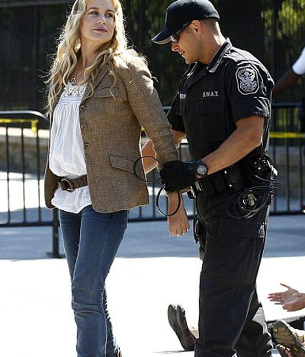 Daryl Hannah, detenida en una manifestación a favor de las ''energías limpias'