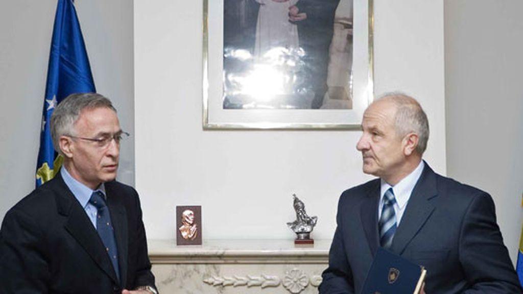 El Presidente de Kosovo, Fatmir Sejdiu y el portavoz del gobierno, Jakup Krasniqi