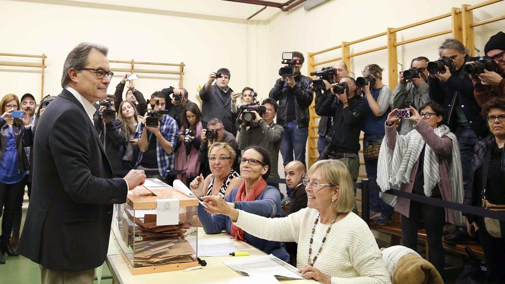 Artur Mas votando en las elecciones generales