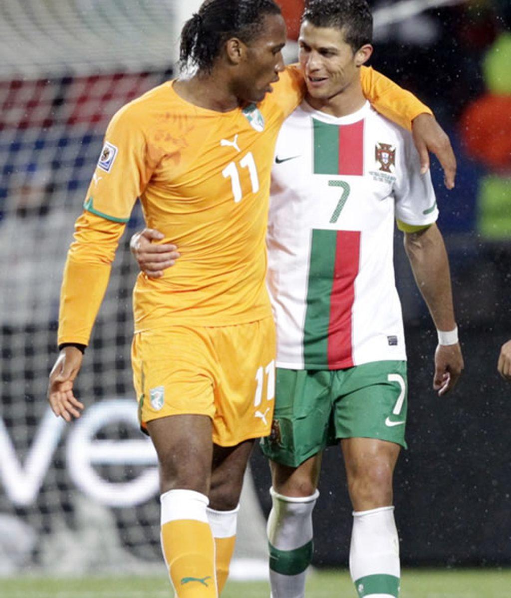 Adebayor y Drogba, descartados por Mourinho